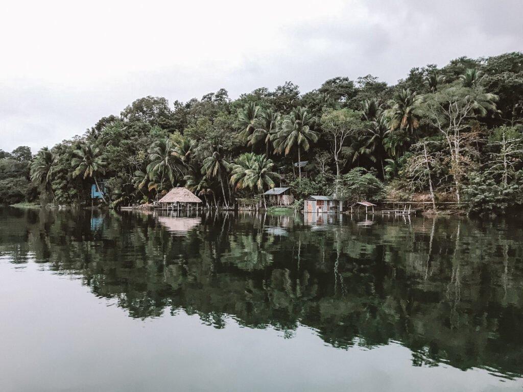 The lake around Flores