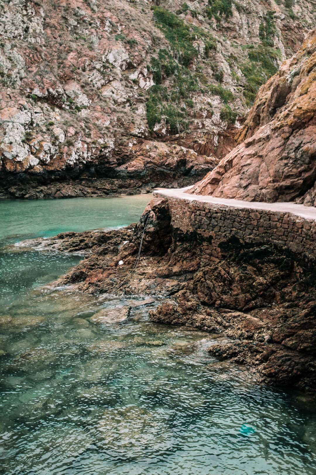 The stone pathway on route to the Berlenga Beach